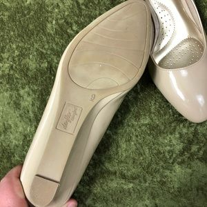 dexflex comfort Shoes - 💞Dexflex Comfort cream kitten wedge heel